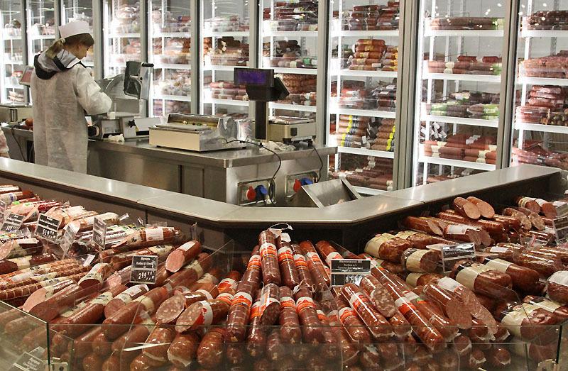 ледников происходило выкладка колбасных изделий в магазине фото отличие зеркального аппарата
