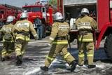 На Кубани мужчина поджег свой дом, а гасить огонь до приезда спасателей пришлось его соседке