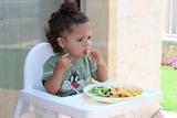 Диетологи назвали главные ошибки родителей в питании малышей