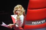 Скандальный блогер высказалась насчёт реакции Пелагеи на поцелуй мужа с другой