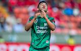 Мексиканский футболист после сеанса гипноза пробил точно в девятку (ВИДЕО)
