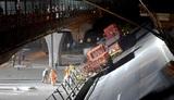 В сети появилось видео обрушения моста в Китае в час пик