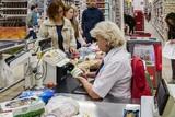 Вывеска популярного магазина насмерть прибила женщину в Нижнем Новгороде