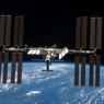 Рядом с МКС пролетел объект, похожий на НЛО (ВИДЕО)