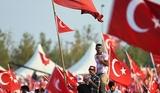 В Турции под подозрение в участии в перевороте попали не только турецкоподданные