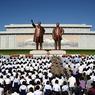 Политслухи: Ким Чен Ын перенес операцию от подагры