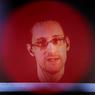 Сноуден рассказал, как живется под колпаком и без пиццы