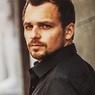 Начался сбор средств на спасение жизни 32-летнему актеру Алексею Янину