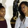 Дочерей Обамы раскритиковали за короткие юбки и корчение рож
