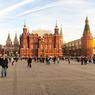 Очевидец снял на видео драку Пушкина и Ленина из-за клиента на Красной площади
