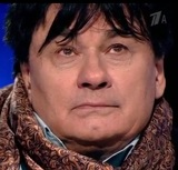 Александр Серов не смог сдержать слез, впервые обняв жену за восемь лет
