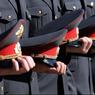 Полицейских наградили за поимку киллера и неуловимого маньяка