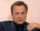 56-летний актер Андрей Соколов скрывает причины развода с молодой женой, а она нет