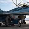 Появилось видео полета американского F-16, замаскированного под Су-57