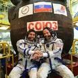 """""""Роскосмос"""" опубликовал видео с выжившими космонавтами """"Союза МС-10"""""""
