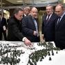 В Красноярске к визиту Путина подготовились: чистый снег завезли, траву выкосили