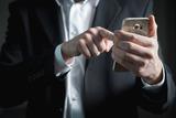 Эксперты рассказали, как может помочь мобильный телефон во время задержания полицией