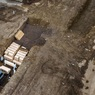 Дрон снял на видео братскую могилу в Нью-Йорке, подготовленную и для жертв пандемии