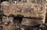 В средневековой церкви в Великобритании обнаружены необычные «ведьмины знаки»