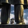 В Харькове окончательно рухнул Ленин (ФОТО, ВИДЕО)