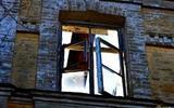 Мужчина выбросил в окно возлюбленную, отказавшуюся выходить за него замуж