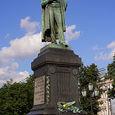 Часть Пушкинской площади в Москве перекрыта для ремонтных работ памятника поэту