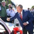 Автомобиль главы МИД Австрии с автографом Путина продали на аукционе