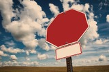 Суд оштрафовал ЦОДД за уменьшенные дорожные знаки