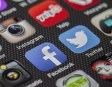 Facebook решил не наказывать за оскорбления в адрес политиков и селебретис