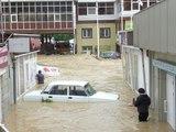 Власти и МЧС оценили последствия наводнения в Сочи (ВИДЕО)