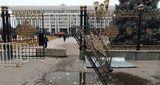 ЦИК Киргизии аннулировал результаты выборов в парламент, оппозиция формирует новую власть