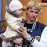 Футболист Роман Павлюченко крестил дочь в церкви в Сокольниках