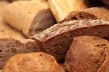Медики рассказали, почему нельзя исключать хлеб из рациона
