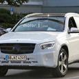 Mercedes-Benz готовится к премьере обновленного кроссовера GLC