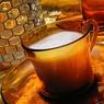 Диетологи считают, что чай с молоком вреден для пищеварительной системы человека