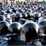 Суд еще не начался - но 12 автобусов ОМОНа метут всех (ФОТО)