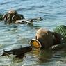 Таджикских мужчин атаковали российские солдаты из фонтана  (ФОТО)