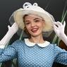 Юристы потребовали от «молодой музы» Задорнова не показывать личные фото с юмористом