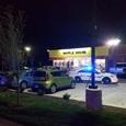 Голый неизвестный застрелил трёх человек в кафе в США