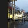 Под Ярославлем из-за шторма обрушилась крыша супермаркета