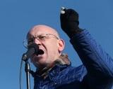 Депутат Резник подбивает журналистов покурить с ним
