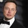 Илон Маск по-русски ответил хакеру, попытавшему взломать компьютер Tesla