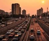 Медведев подписал распоряжение о регистрации машин в автосалонах