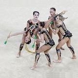 Золото в художественной гимнастике россиянки никому отдавать не намерены