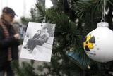 Новогоднюю ёлку в Припяти украсили фотографиями бывших жителей