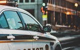 В США автомобиль врезался в толпу людей, есть жертвы