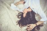Недостаток сна влияет на отложение жира