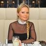 Дана Борисова случайно узнала, что ее бывший муж решил увезти дочь за границу