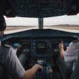 Пилот рассказал, чем опасна еда на борту самолета