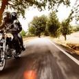 Под Воронежем байкер опрокинулся на мотоцикле и был задавлен автомобилем